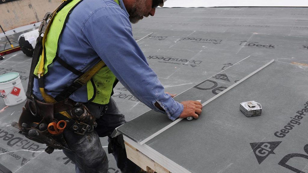 Adding a high-performance DensDeck® Prime Roof Board in the cover board position helped ensure better hail puncture protection for this data center's low-slope roof.